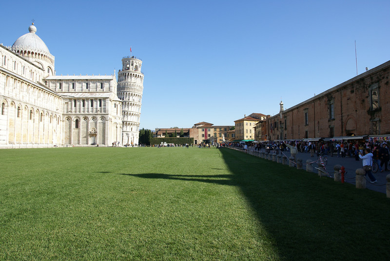 Pisa Duomo.  Notice the vendors on the right side... these types of vendors were all over at the major tourist attractions in Italy.