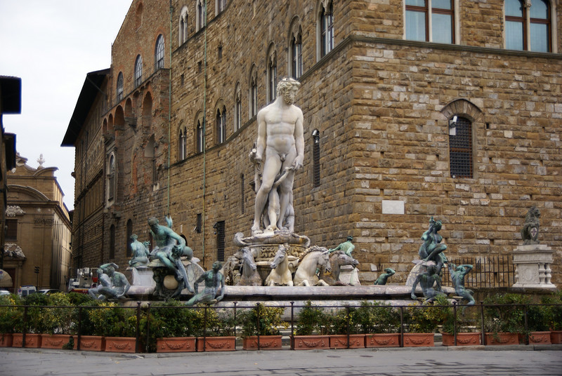 Neptune fountain in front of the Palazzo Vecchio, Florence, Italy