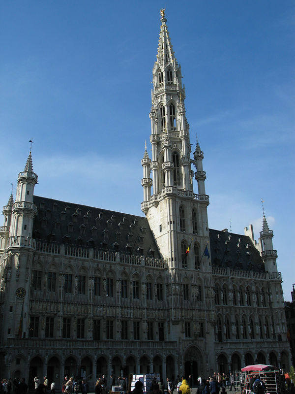<b>One of the buildings surrounding the Grand Place in Brussels.</b>