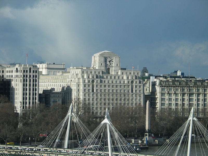 <b>Shellmex House is the largest clock in London, 1 inch larger than Big Ben.</b>