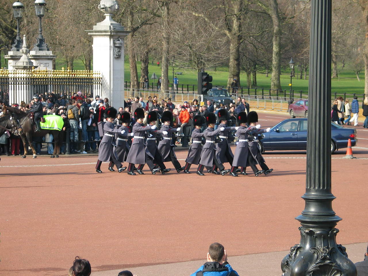 <b>The guys in the blue car were trying to get into the palace in the middle fo the ceremony... morons.</b>