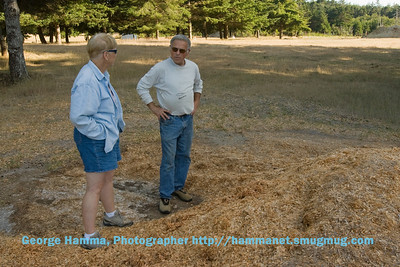 Janet and Tom discuss the sawdust used to help make up the bog soil.