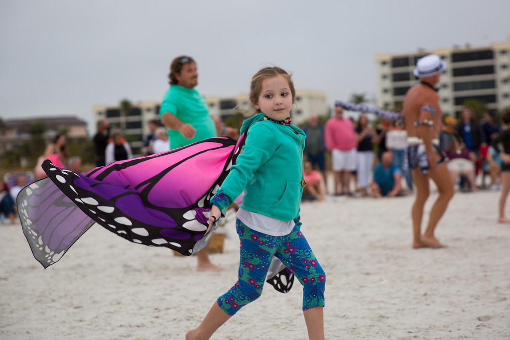 IMAGE: https://photos.smugmug.com/Vacation/Florida-2019-Siesta-Beach/i-2sPLxc7/0/12cd902a/XL/2019-02-03_SiestaBeach_252-XL.jpg