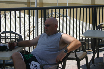 Kevin by the pool in Florida ( 2011 )