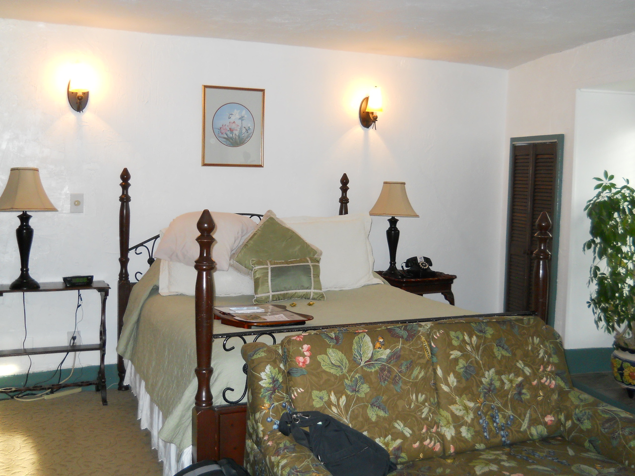 This year we drove to Florida, stopping for a night in Mebane, NC to have dinner with friends and than on to St. Augustine for 2 nights.  This is our room in the St. Francis Inn