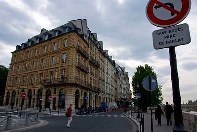 Another Stroll through the districts in Paris.