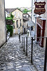 The word Tertre is specific to Saint-Emilion and refers to the steep pedestrian cobblestone streets. There are four of them in the city: Tertre de la Tente, Tertre des Vaillants, Tertre de la Cadène and Tertre de la Porte Saint-Martin. <br /> <br /> The cobblestones were brought by English merchants, who, as there were trading wine, loaded them in the ships as ballast before replacing them with barrels full of a precious beverage: wine!