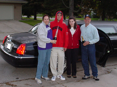 Limo picked us up to drive to Chicago airport - leave it to the Schneck's to crack open the bubbly at 5 in the morning...
