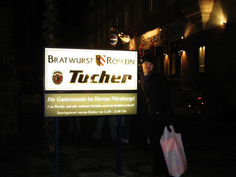 Bratwurst Röslein, stopped in for more beer and a snack