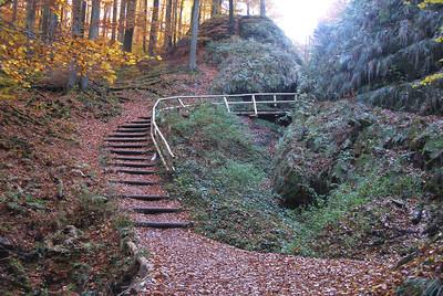 Drachenschlucht  Wanderung (Eisenach, Germany 2005) (Hike thru forest and canyon))