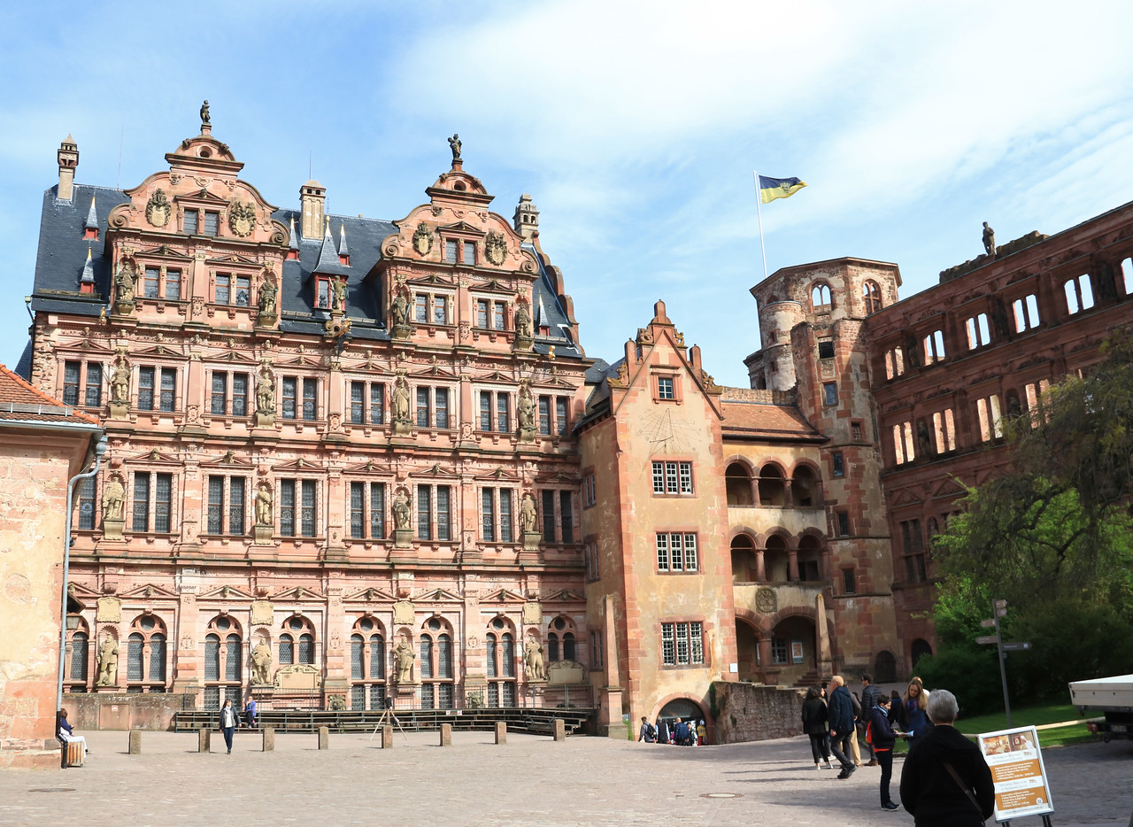 The inner courtyard of the castle with Friedrich's Palace which dates to 1601-07.  On the façade are statues of the Wittelsbach dynasty.