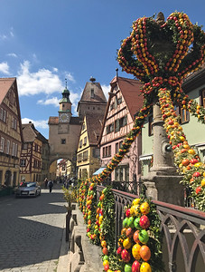 Next, we drove to Rothenburg ob der Tauber, a beautiful town, still preserved to look much as it did in the Middle Ages.  Here, we found a walled medieval town with beautiful buildings and colorful Easter decorations.