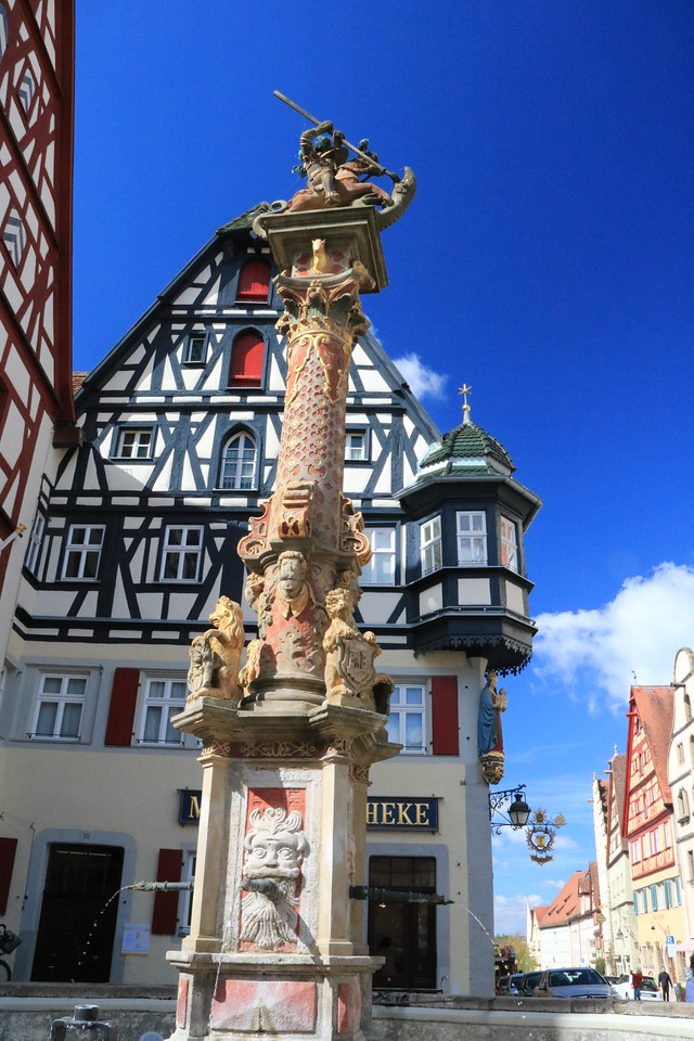 St. George slaying the dragon adorns the column above an old fountain at one corner of the Marktplatz.