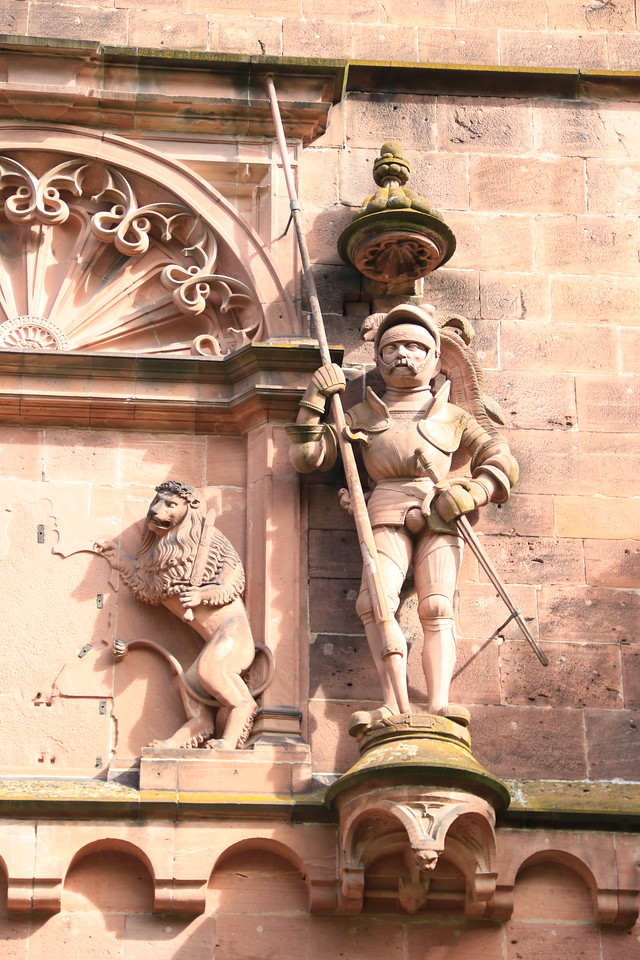 A Medieval knight above the main gate.