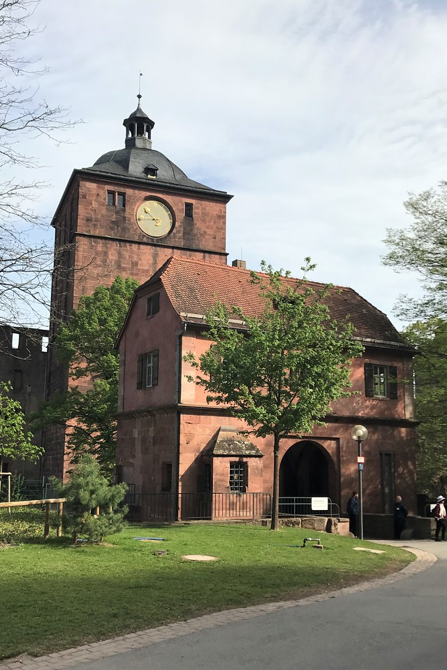 The main entrance to Schloss Heidelberg.