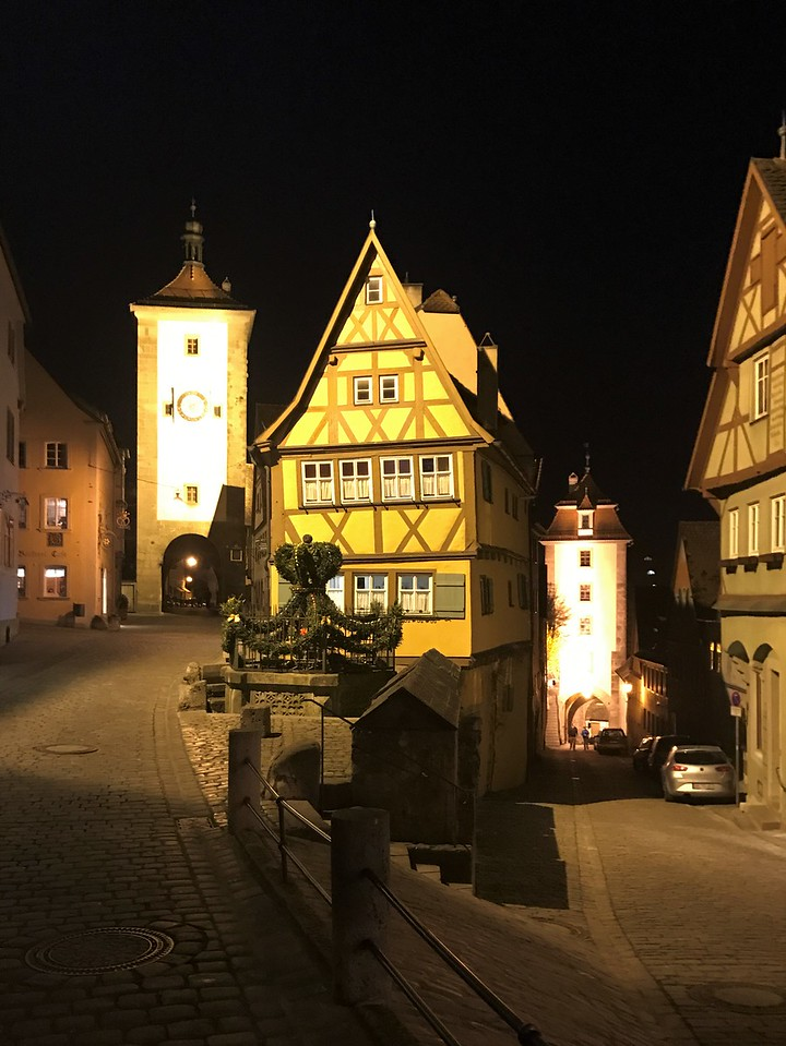 The Plonlein corner is one of the most picturesque in Rothenburg.  One story said that the Brothers Grimm lived in the house in the center.  Our guide told us that is not true...just another fairy tale!
