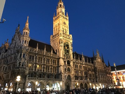 Meanwhile, back in Munich, the rest of us walked around the center of Old Town Munich.  Here, in Marienplatz, the Old Town's main square, is the elaborate Neues Rathaus or New City Hall.