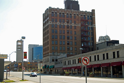 1046 Riker Building Pontiac Michigan the whole building up for sale