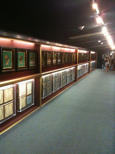 031 Wall of many, many of Elvis's gold 45s