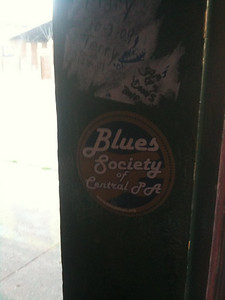 040 - Blues bar on Beale Street in Memphis - a sticker from PA on the wall - very cool!