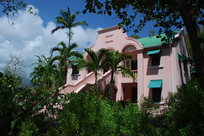 Our first resort was La Sagesse Resort. Here we have the old original manor building of the plantation.