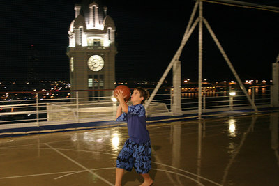Nate shooting a few hoops on the ship in Honolulu prior to setting sail at 8pm.