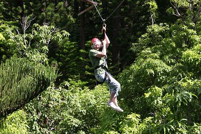 8-17-06 Kauai - Treetop Zipline Eco Adventure - No problems here