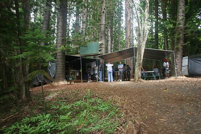 8-17-06 Kauai - Treetop Zipline home base