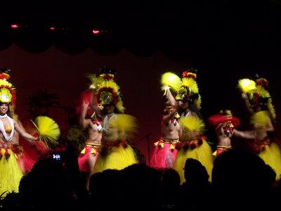 And some more hula girls.
