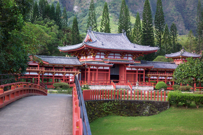 The Byodo-In Temple was built in the 1960's to commemorate the 100th anniversary of the arrival of the first Japanese immigrant workers in Hawaii who came to work in the sugar plantation fields. It is a replica of the 950-year-old Byodoin Temple located in Uji, Japan on the southern outskirts of Kyoto.