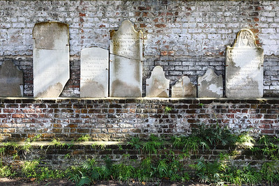 Colonial Park Cemetery Wall