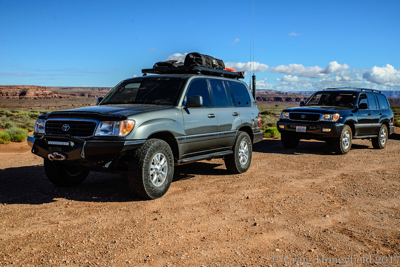 100 Series Land Cruisers, Monument Valley