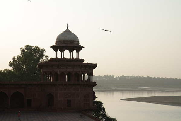 Taj Mahal River View: Agra, India