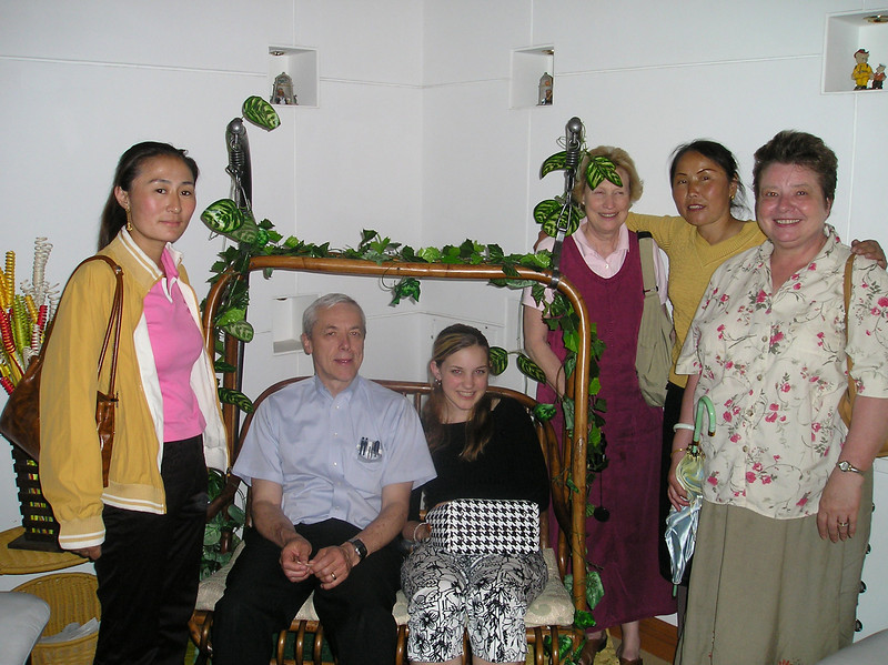 Kent, Anna, Peggy and MaryCarlson with our Chinese hosts