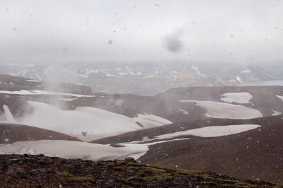 Le blizzard se lève à Hrafntinnusker. Il neige horizontalement :\