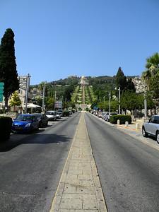 On Sunday we took the train north to Haifa, especially to see the Baha'i Shrine & gardens