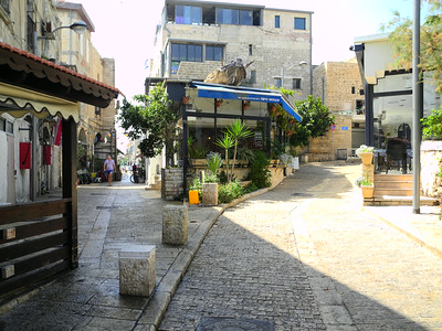 Very narrow, winding streets as you get closer t Jaffa
