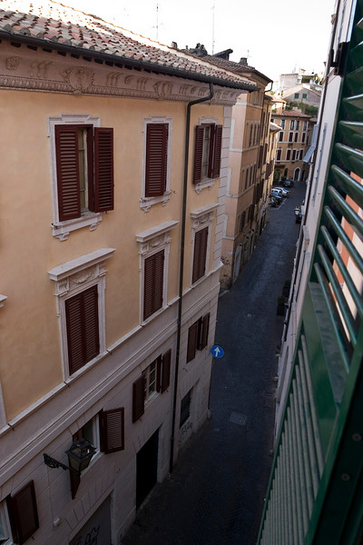 The view from our hotel room<br /> -----<br /> La vue depuis notre chambre d'hotel.