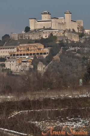 Hill top castles - a regular sight in Italy.