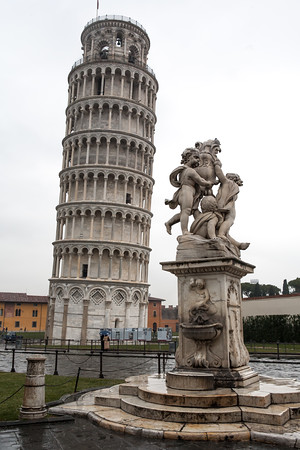 Beautiful statue outside the leaning tower of Pisa