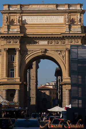 Florentines consider this nice arch ugly!