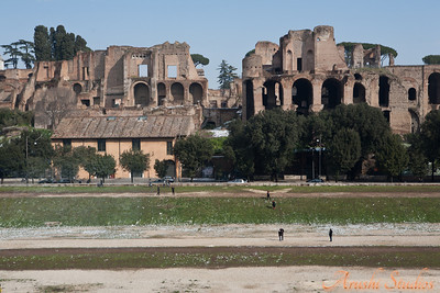 Caesar's palace overlooking the circus maximus.