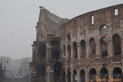 The elliptical building is immense, measuring 188m by 156m and reaching a height of more than 48 meter (159 ft). The Colosseum could accommodate some 55,000 spectators who could enter the building through no less than 80 entrances.