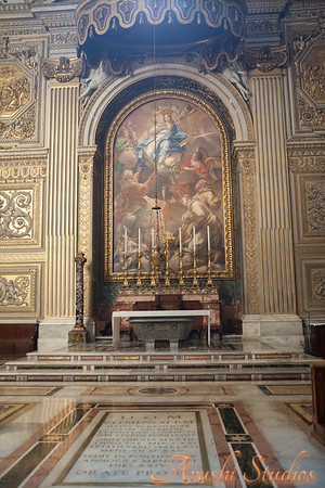 Altar of Immaculate Conception A painting by Bianchi was converted into mosaics. St Peter's Basilica does not have paintings. All the beautiful art that looks loike paintings are actually mosaics done using precious and semi precious stones.