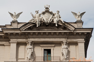 Cornices and decoration in Piazza della Republica.