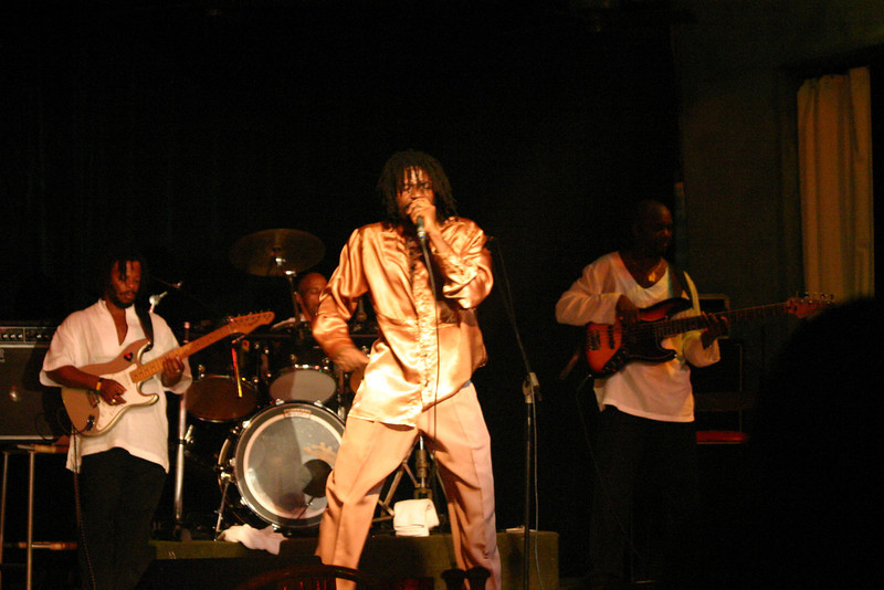 Reggae Star Stevie, with the house band in the background.