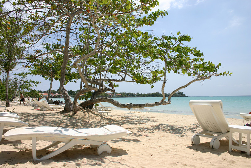 Even in the middle of the day, with a full resort, the beach is calm and peaceful.
