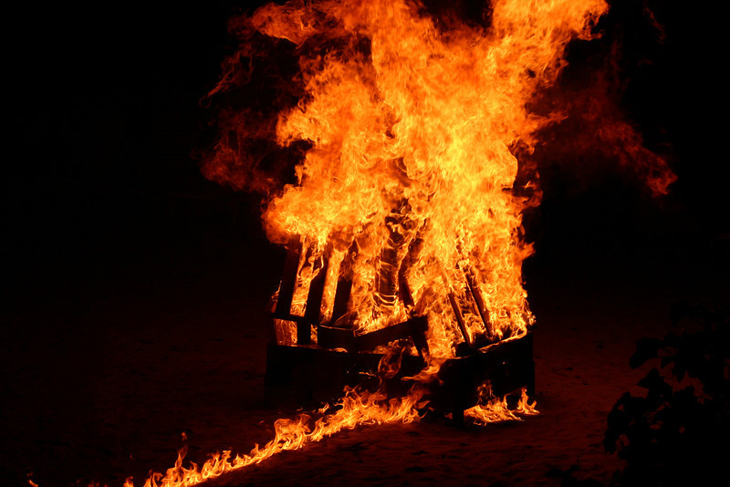 Thursday night, there was a bonfire on the beach after the show... it was awesome when they lit it!