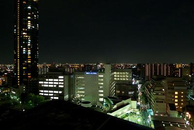 uitzicht vanuit hotel in Osaka  (10e verdieping)  ' s avonds