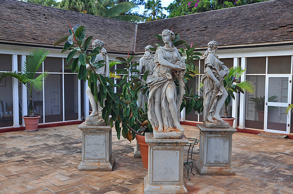 statues representing the four seasons